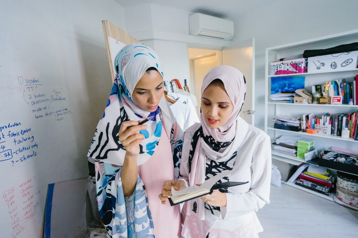 Cara Menjadi Reseller Hijab Online yang Sukses